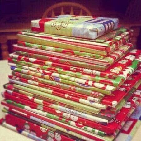 25-days-of-christmas-books-wrapped-under-tree